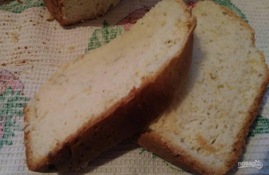 Хлеб с луком и сыром в хлебопечке