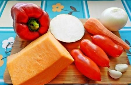1. Отличное блюдо, особенно во время поста. Готовится быстро. Все овощи нужно подготовить - тщательно вымыть и почистить.