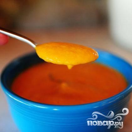5. Подавать суп теплым, украсив веточкой тимьяна, или подогреть его, если это необходимо.