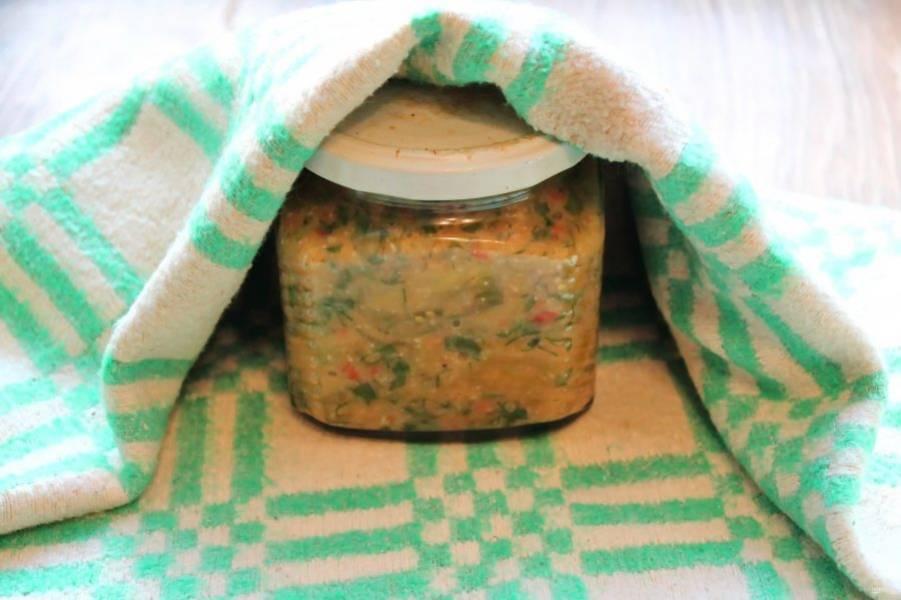 Сразу закройте кипяченными крышками и укутайте до полного остывания.