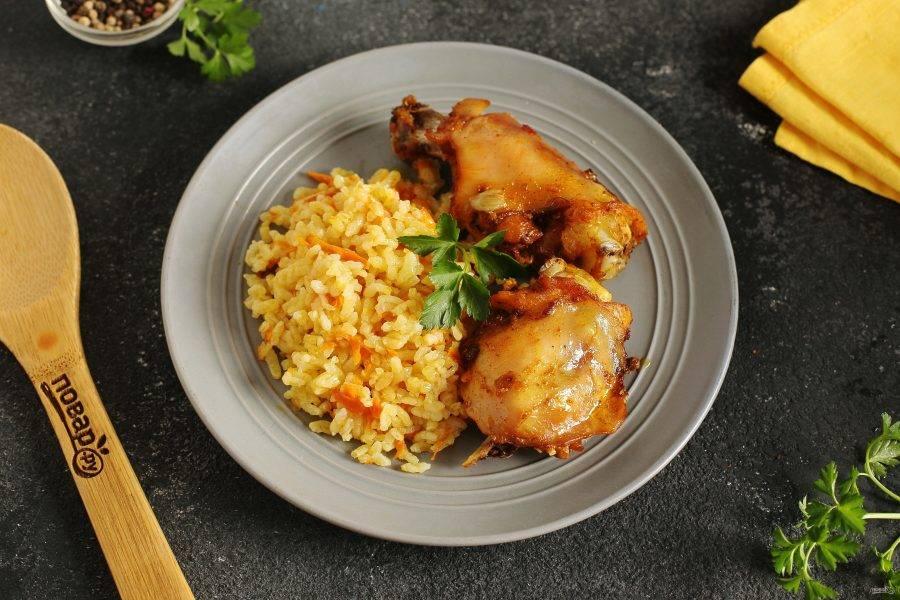 Курица на рисовой подушке готова. Приятного аппетита!