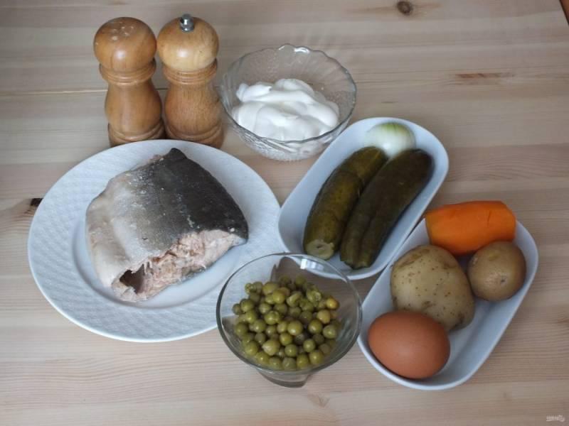 Подготовьте необходимые ингредиенты. У рыбы удалите тщательно кости и кожу.