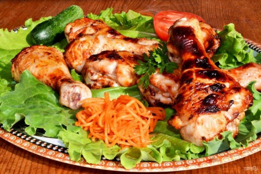 Шашлык из курицы в томатном соке - отличная идея для пикника.