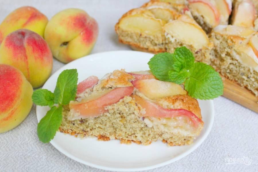 Овсяный пирог с персиками
