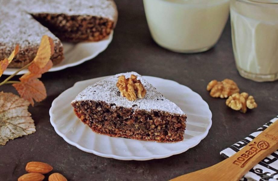 По желанию пирог перед подачей можете посыпать сахарной пудрой. Приятного аппетита!