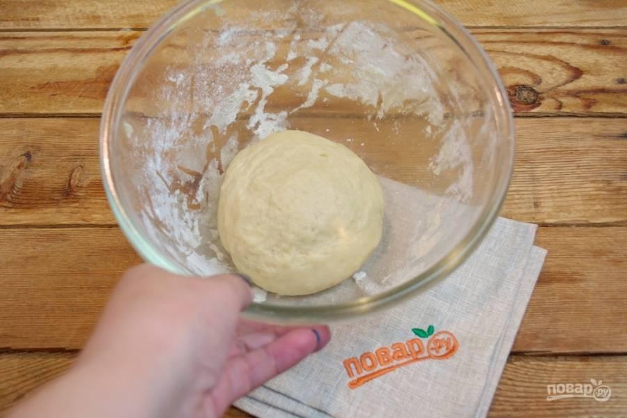 В конце замеса добавьте 2 ст. ложки растительного масла.