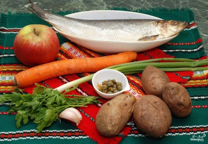 Подготовим все необходимые для приготовления салата ингредиенты.