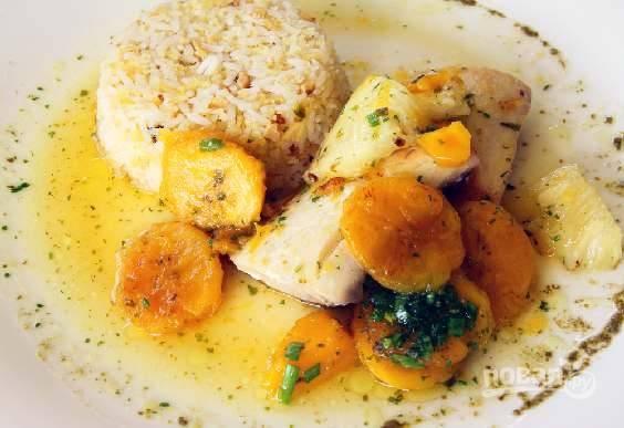 Рыба с бананом в томатном соусе карри
