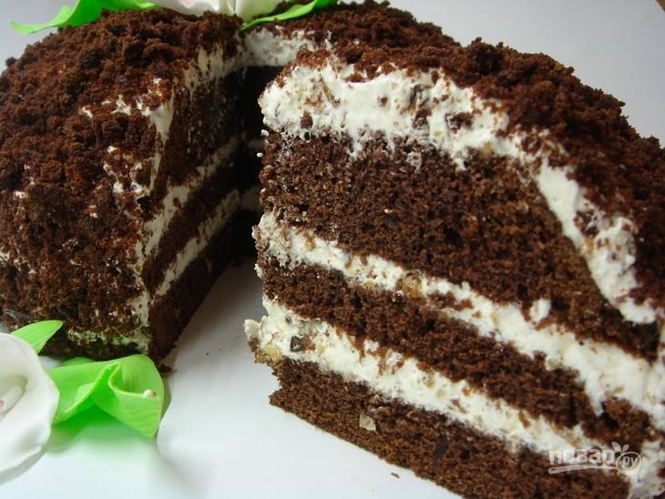 7.Отправьте торт на несколько часов в холодильник, а затем подавайте к столу.