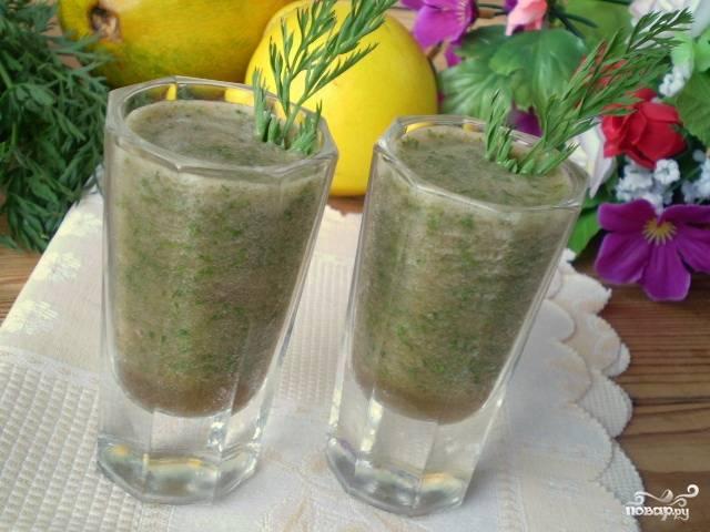 Зеленый коктейль с дыней