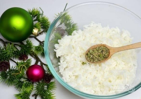 3. Остудите и добавьте по вкусу специи. В данном случае это смесь сушеных трав, но вы можете взять те, что вам больше по вкусу.