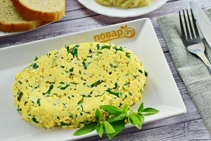Ароматный домашний сыр с тмином и зеленью