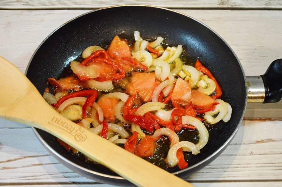 3. Обжарьте овощи с добавлением масла.