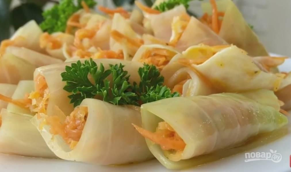 Голубцы с морковкой по-корейски в квашеной капусте