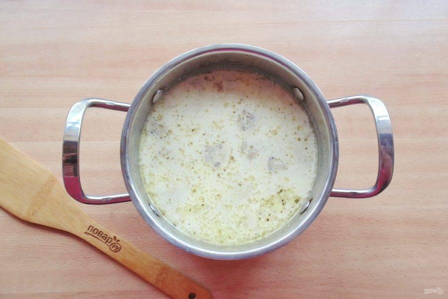 Через 3-4 минуты суп будет готов.