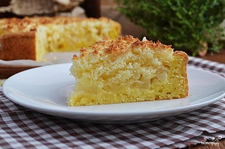 Готовый пирог с творогом и ананасами можете посыпать сахарной пудрой. Приятного чаепития!