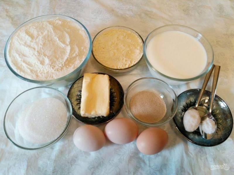 """Подготовьте продукты, необходимые для приготовления """"Соломбальских"""" булочек. При этом учитывайте, что сливочное масло следует заранее достать из холодильника, чтобы оно стало мягким."""