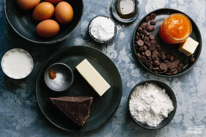 1. Вот такой набор ингредиентов вам необходим, если вы решите повторить этот простой рецепт венского шоколадного торта на своей кухне.