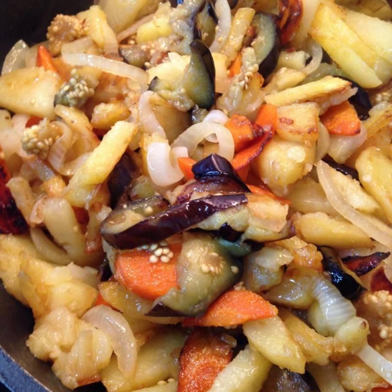 8.  Даем картошечке немного постоять, после чего ее можно подавать к столу.