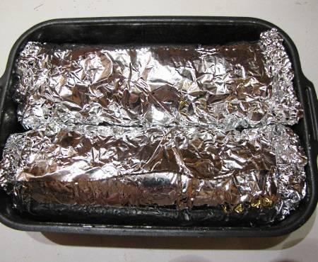 7. Осталось выложить в жаропрочную форму и отправить в разогретую духовку. Запекать нужно около 90-120 минут при температуре примерно 200 градусов.