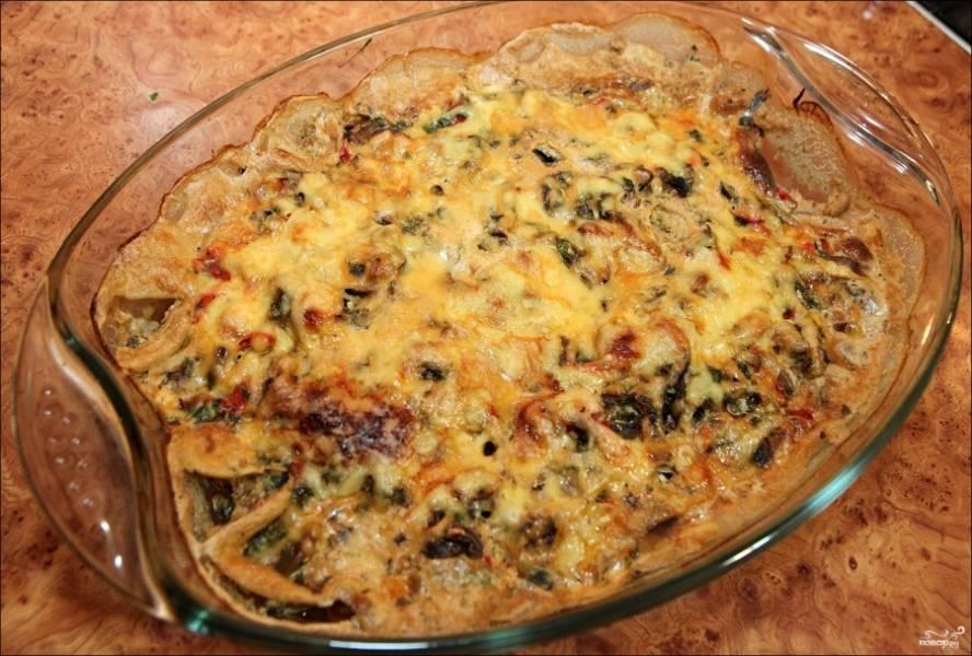 Не передержите, чтобы корочка сырная не подгорела. Дайте блюду остыть перед подачей.  Пока судак запекается, можете приготовить гарнир: картофель или овощи.