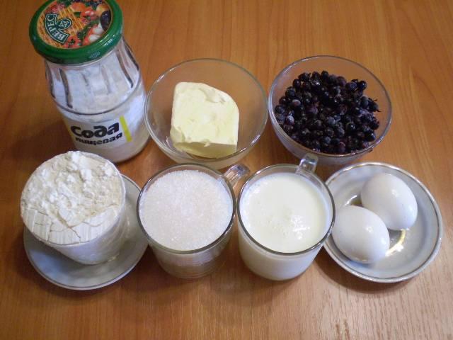 1. Приготовим продукты для пирога.
