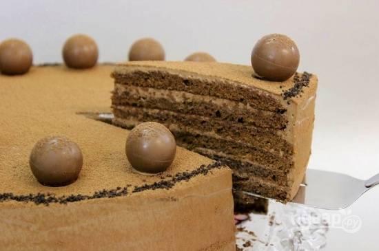 18. Вот такой пышный, нежный и невероятно вкусный торт получился в результате. Приятного чаепития!