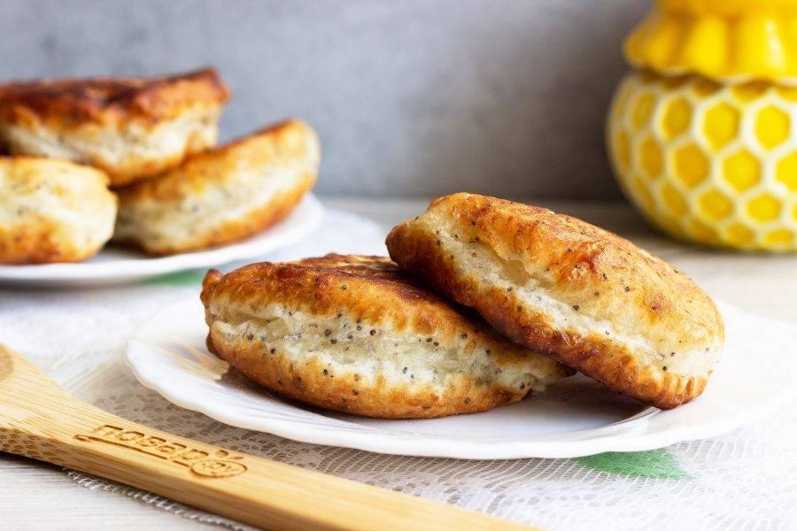 Подавайте с медом, вареньем или со сметаной. Приятного аппетита!
