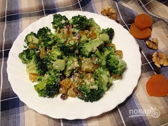 9. Перемешиваем салат, даем настояться хотя бы часик в холодильнике.