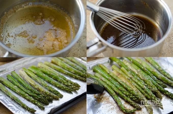 3. В сотейнике с маслом обжарьте спаржу до золотистого цвета.  В другом сотейнике смешайте уксус и соевый соус. Как только спаржа будет готова, то окуните ее в соус.