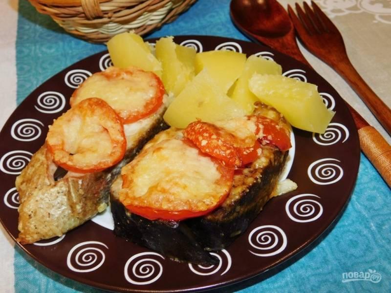 Горбуша с помидорами в духовке