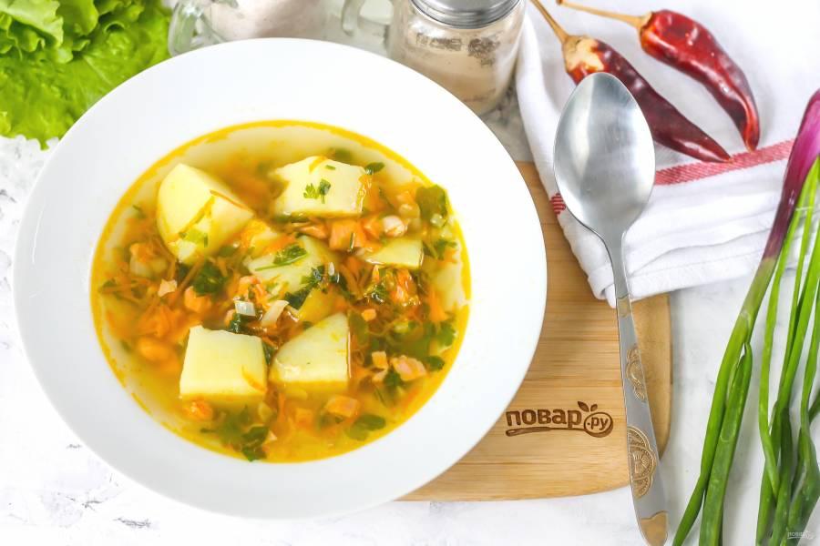 Суп с копченой форелью