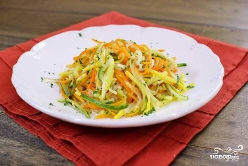 Салат из кабачков и моркови
