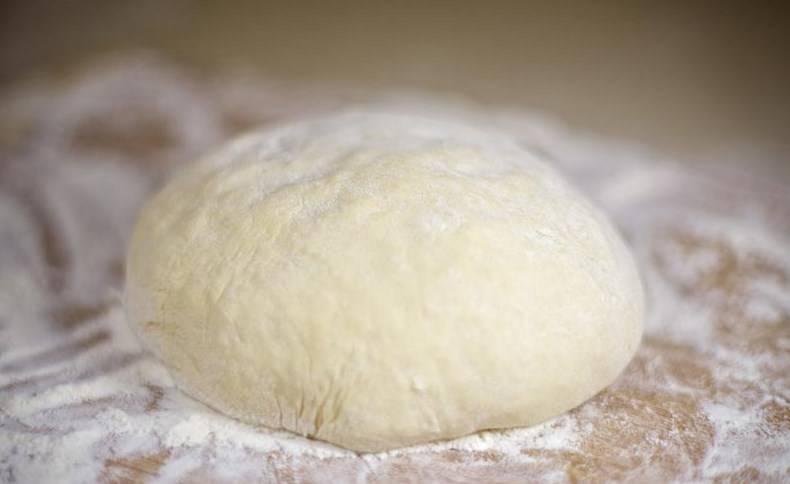 Вот быстрое дрожжевое тесто и готово. Можете печь. Приятного аппетита!