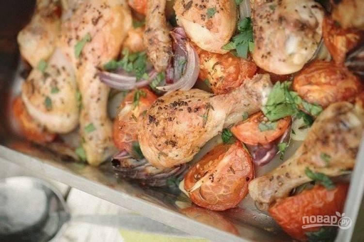 Запекайте блюдо в духовом шкафу в течение 40 минут при 200 градусах. Приятного аппетита!