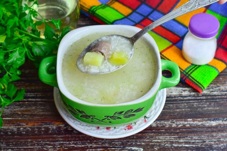 Суп с куриными сердечками и рисом