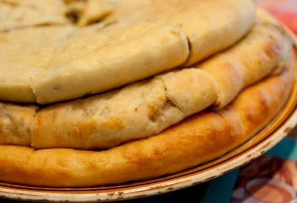 В итоге мы получаем три прекрасных и невероятно вкусных пирога :) Приятного аппетита!
