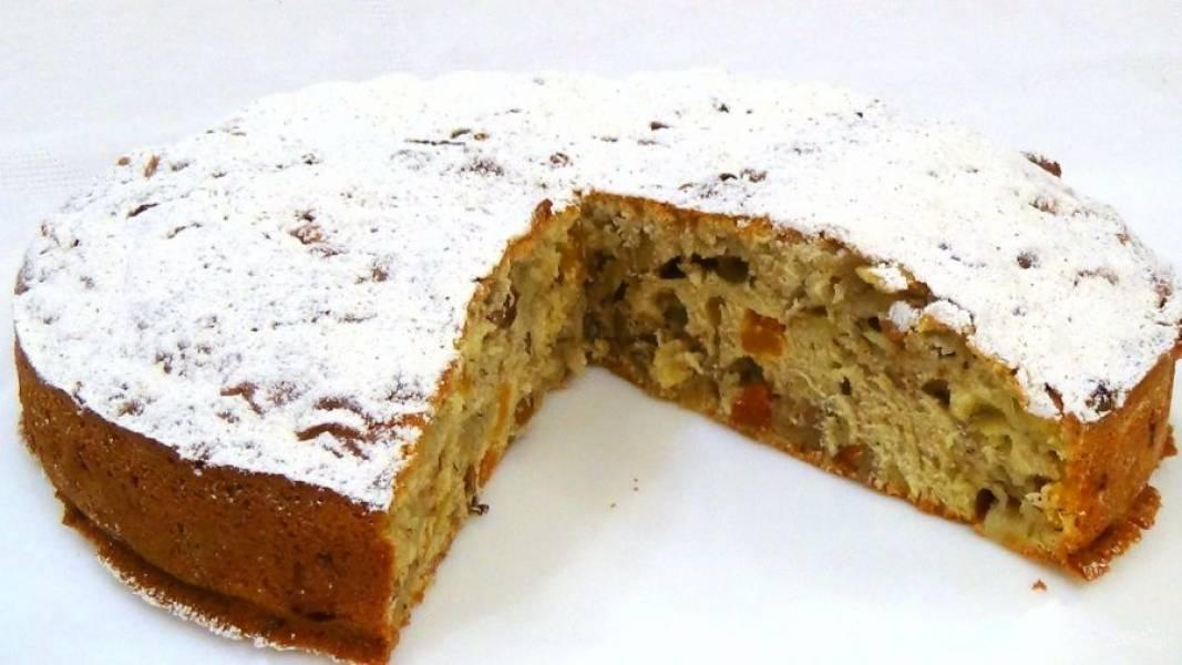 5.  Готовый пирог остудите и посыпьте сахарной пудрой. Приятного аппетита!