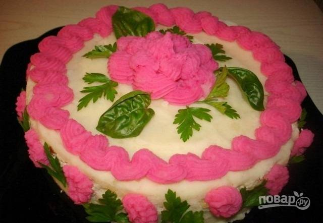 7.Готовый тортик подаю на стол в целом виде, приятного аппетита!
