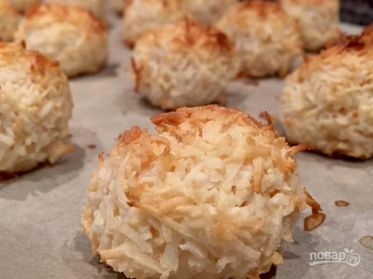 8.Готовое печенье достаньте из духовки и оставьте на 3-5 минут для остывания. Приятного аппетита!