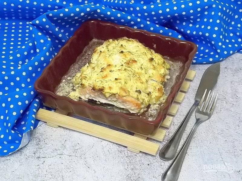 Лосось под сыром с креветками