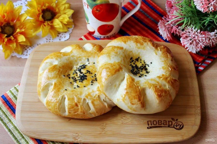 """Узбекские лепешки """"Оби Нон"""" готовы. Можно подавать к столу."""