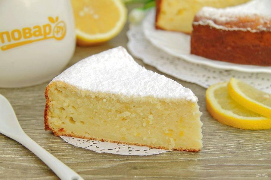 По желанию посыпьте запеканку сахарной пудрой и подавайте к столу, нарезав на порционные кусочки. Приятного аппетита!