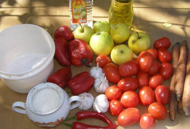 Подготовьте все необходимые для приготовления аджики ингредиенты. Тщательно промойте овощи и фрукты.