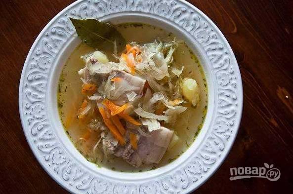 5. Когда и мясо, и овощи будут готовы, выключим огонь и под крышкой настаиваем суп еще полчаса.