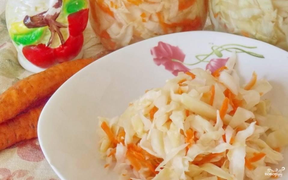 Маринованная капуста с луком и морковью