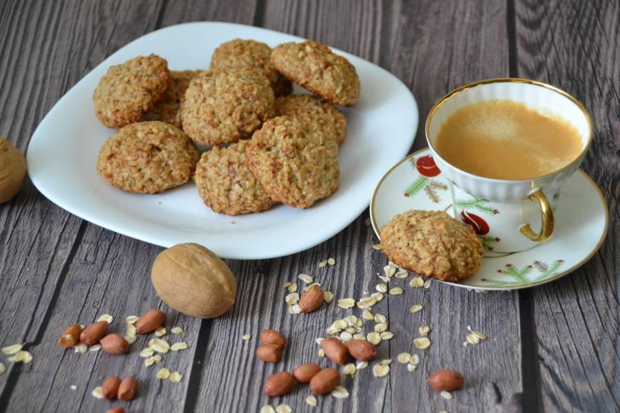 Овсяное печенье с арахисом