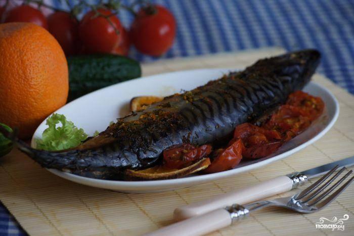 Фольгу заворачиваем. Ставим рыбу в духовку и выпекаем около 25 минут при 190 градусах. Готово!