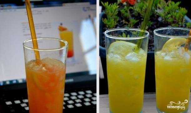 Добавьте по 2 капли гренадина в каждый стакан, перемешайте. Подавайте коктейль с трубочкой.