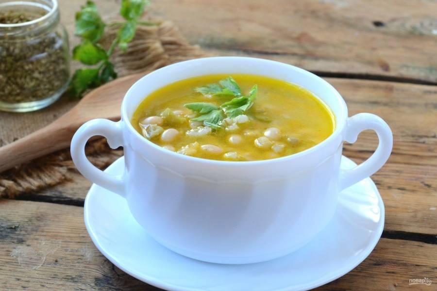 Гртскова готова! Подавайте суп с черным хлебом и чесноком. Приятного аппетита!